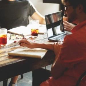 startup-meeting-brainstorming-business-teamwork_400_400
